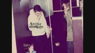 Arctic Monkeys - Crying Lightning - Humbug
