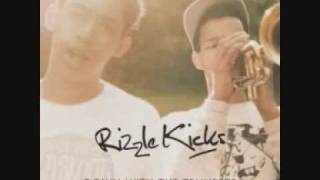 Rizzle Kicks - Down With The Trumpets - Lyrics