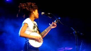 """Valerie June - """"Rollin' and Tumblin'"""" - (Yeovil, 23rd February 2013)"""