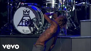 Fall Out Boy - Uma Thurman (Boys Of Zummer Live In Chicago) ft. Wiz Khalifa