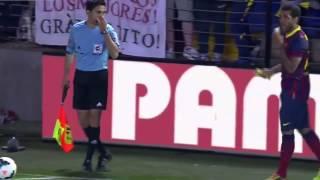 Dani Alves Eats Banana Thrown From Public of Villarrea 2014 [HD]