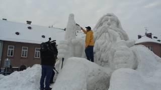 2017-01-09- Pan Dufek tvoří sněhového Krakonoše