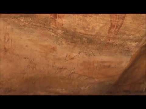 アルジェリア 世界遺産タッシリ・ナジェール トレッキングと壁画観光