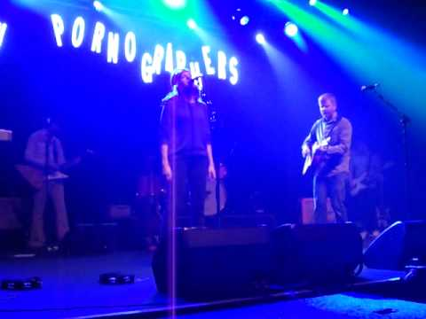 the-new-pornographers-these-are-the-fables-live-in-toronto-2010-skeetergreen