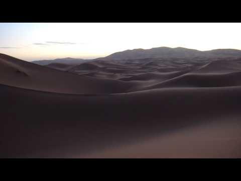 サハラ砂漠の日の出@モロッコ Sunrise at the Sahara, Morocco
