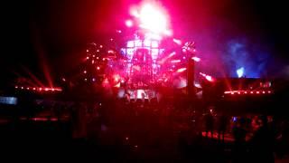 Headhunterz vs. Psyko Punkz - Disrespect (Live at TomorrowWorld)