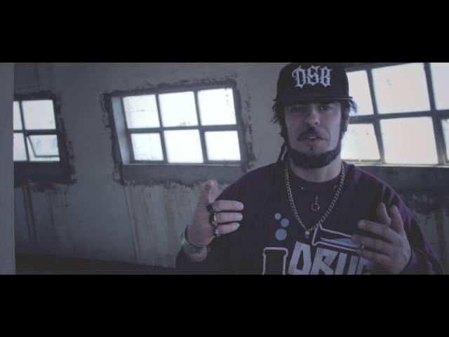 """Vídeo oficial de la canción """"Policegun"""" de Train to Roots."""