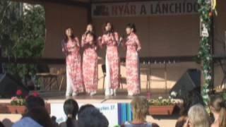 Tavaszi szel vizet araszt - Vietnamese pop group sings a Hungarian folksong