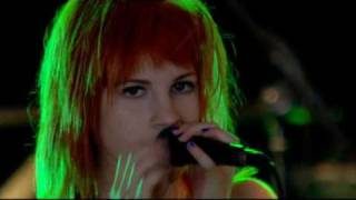 Paramore - Emergency (Live at big weekend)