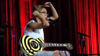 Maria Gadu canta Cazuza   Eu Queria Ter Uma Bomba