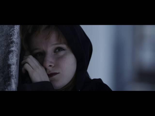 """Videoclip realizado para el segundo single de """"Catálogo De planetas"""". La Fiebre está dirigido por Hasta Luego Films."""