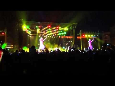 Shakira live in beirut – waka waka