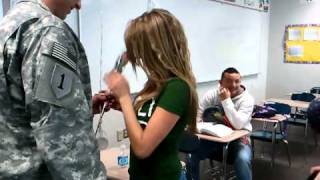 WOW VIDEO - Dad Returns From Iraq to Surprise Daughter!