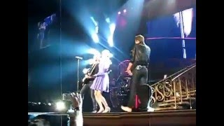 Taylor Swift and Hot Chelle Rae Tonight Tonight Live