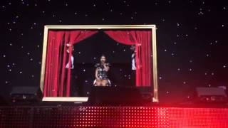 Tessy Hill - I'm Alone (original song) live act Meo Arena