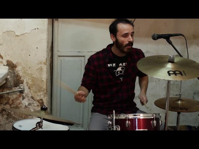 """Vídeo de la canción """"Uno más"""" de Odeón."""