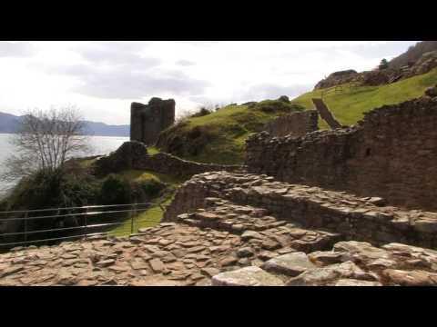 Urquhart Castle am Loch Ness in den Highlands von Schottland