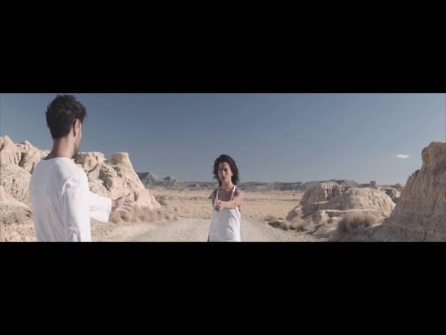 Videoclip oficial de 'Complicidad', de Vanesa Martín.