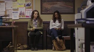 13 Reasons Why 1x02 Funny Scene ~  Hannah & Jessica