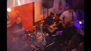 Banda Vintage Wine tocando Exagerado - Cazuza