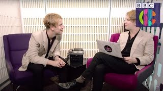 Tom Odell interviews Tom Odell | CBBC Official Chart Show