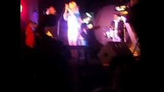 Fuera - Karina en Mora Roque Perez 24-11-12 By Aye Rn