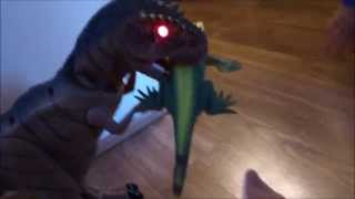 Robo-Rex Robot T-Rex Dinosaur Eats a Lizard