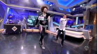 """Redfoo enseña """"shuffle"""" a Pablo Motos"""