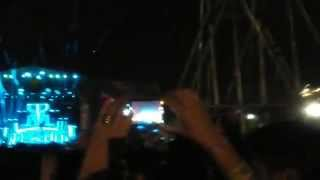 Calvin Harris - Under Control And C.U.B.A. Live At Lollapalooza 2015
