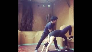 Alia bhatt doing yoga ! Alia bhatt yoga video 🎥 !  Alia bhatt official videos ! Alia bhatt hot yoga