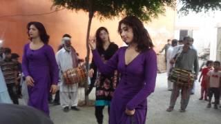 pakistani wedding dance of girl and khusra
