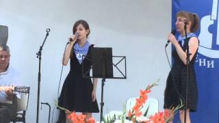 """Маги, Светла и Атанас Стоянови изпълняват моряшка песен на """"Солени ветрове"""""""