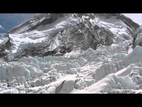 1507 Everest glacier / Trek to Everest Base Camp Vol.10