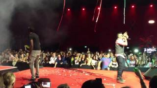 Sean Paul with Usain Bolt  [LIVE ON STAGE]  #Jamaica