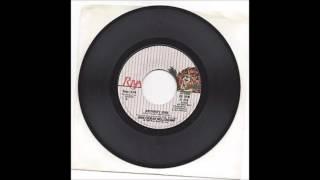 John Cougar Mellencamp - Pink Houses (Acoustic Version)