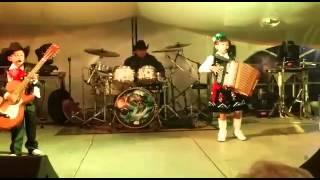 Yaxeni Y Ricardo Los Luzeros De Rioverde - Polka -En Vivo