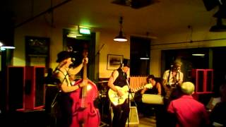 """The Bel Airs  live 2012  """"Sweet Home Chicago"""" Robert Johnson / Blues Brothers Cover"""