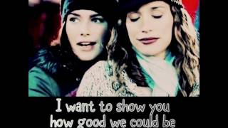 Natalia Kills - Wonderland(Lyrics on screen)