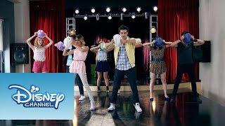 "Todos juntos ensayan ""Llámame"" | Momento Musical | Violetta"