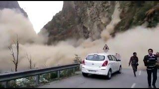 Live Landslide at National Highway 21, Mandi, Himachal Pradesh ( 07.12.2015)