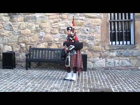 bagpiper at edinburgh castle