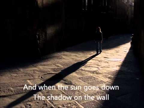 Shadow On The Wall En Espanol de Brandi Carlile Letra y Video