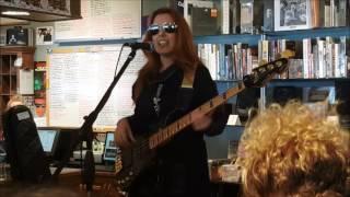 "Ida Nielsen - ""SHOWMEWHATUGOT"" Live at Electric Fetus 4/24/17"