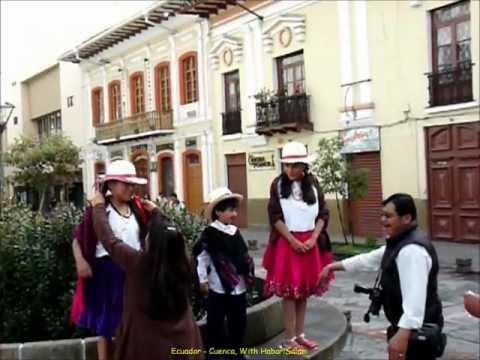 2012 Ecuador   Cuenca, Fête des Enfants, A, Iglesia Santo Domingo, Con Fanfarria, Ninos, Epiphanie