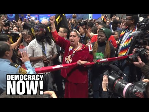 """""""Shame!"""" Indigenous Leaders & Delegates from Global South Stage Dramatic Walkout at COP25 in Madrid"""