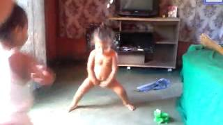 Minha Neta Evellyn Sophia dançando FUNK 😂😂😂😂😂😂