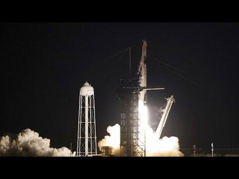 Megindult az űrturizmus: a SpaceX űrhajója első alkalommal szállít csak civil utasokat