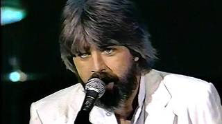 "Michael McDonald - I Keep Forgettin' (""Live"" on Solid Gold 1982) (HQ with New Dubbing)"