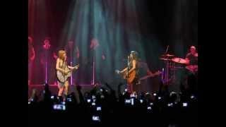 "PMC | ""Long Live"" - Taylor Swift feat. Paula Fernandes - AO VIVO no Rio"
