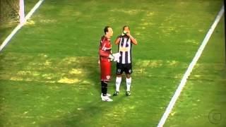 [HD] Ronaldinho | INCREDIBLE Water Bottle Trick Analysis